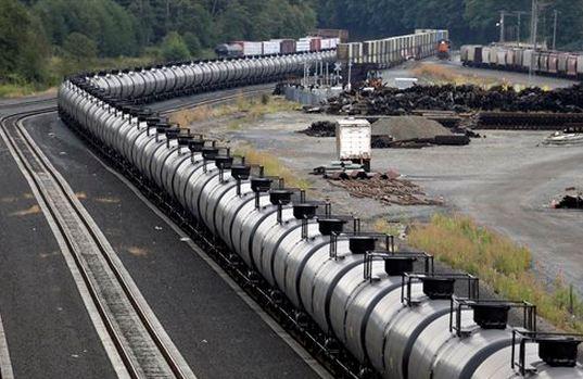AP oil train