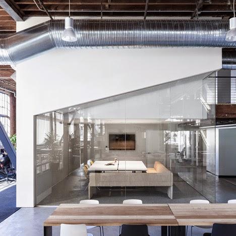 renovasi-bangunan-gudang-interior-kantor-pinterest.com-dinamis-ruang dan rumahku-011