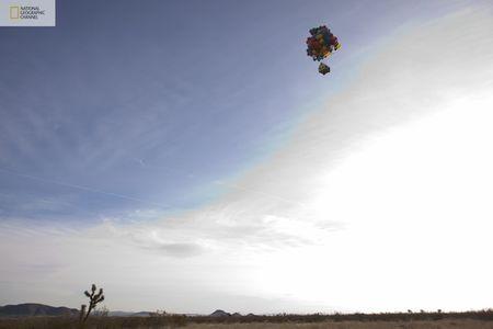 صور منزل يطير باستخدام البالونات !! مشروع جديد مستوحى من فيلم ديزني up national-geographic-