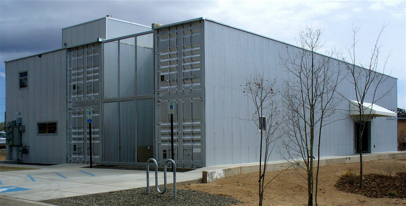 Alt build blog the finished shipping container building - Build home from shipping containers ...