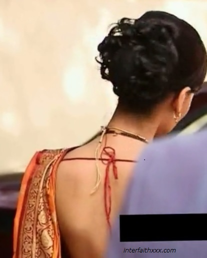 sexy saree back