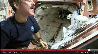 cara memasak di luar angkasa