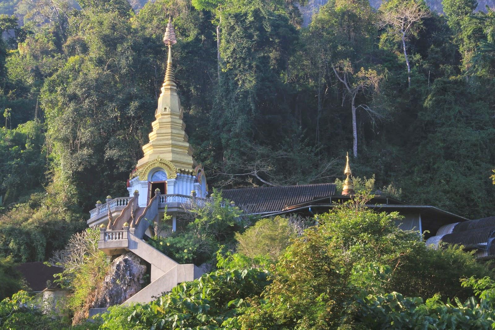 Wat Tham Pha Plong in Chiang Dao