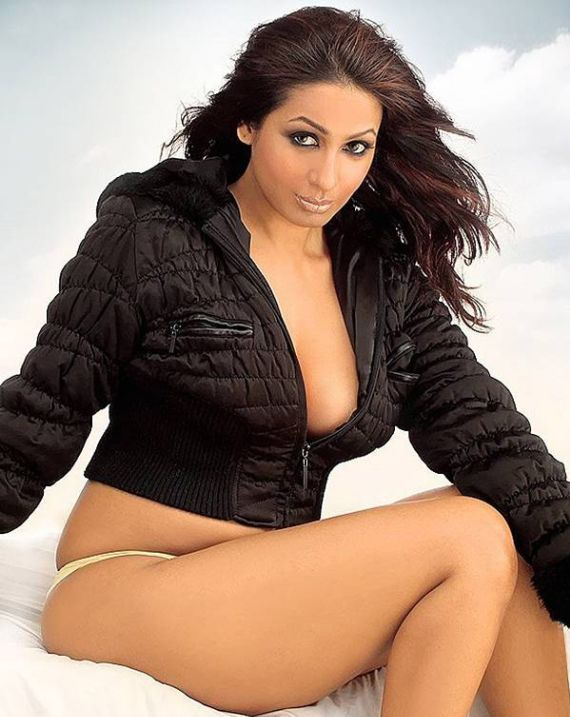 Sexy Kashmira Shah