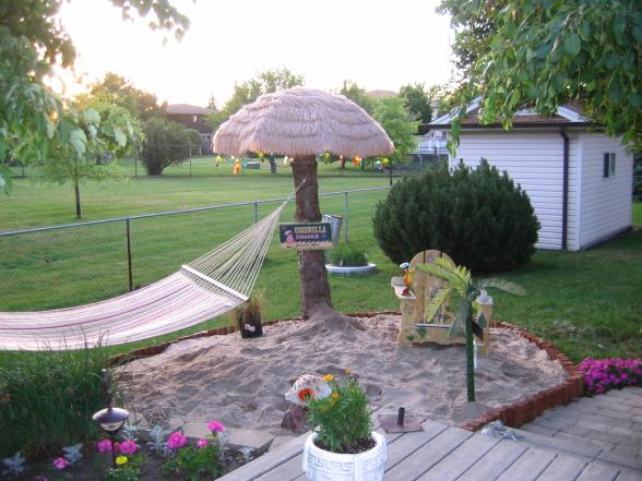 General splendour backyard beach how to for Beach themed backyard decor