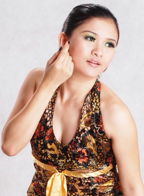 myanmar singer jenny