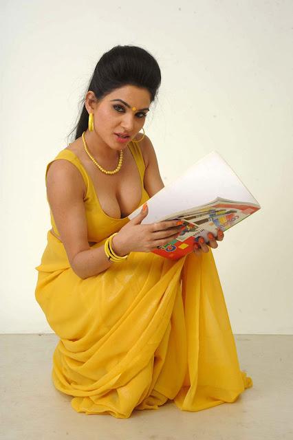 South Indian Masala Actress Kavya Singh photos