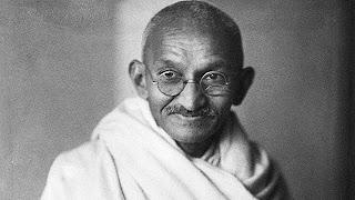 Beberapa Tokoh Terkenal Yang Pernah Tertembak - Mahatma Gandhi