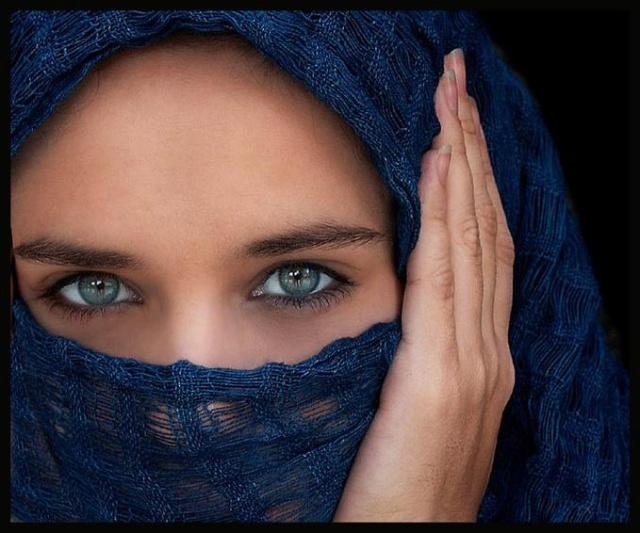 """"""" Ochii verzi niciodata sa nu-i crezi"""" Secretul ochilor verzi"""
