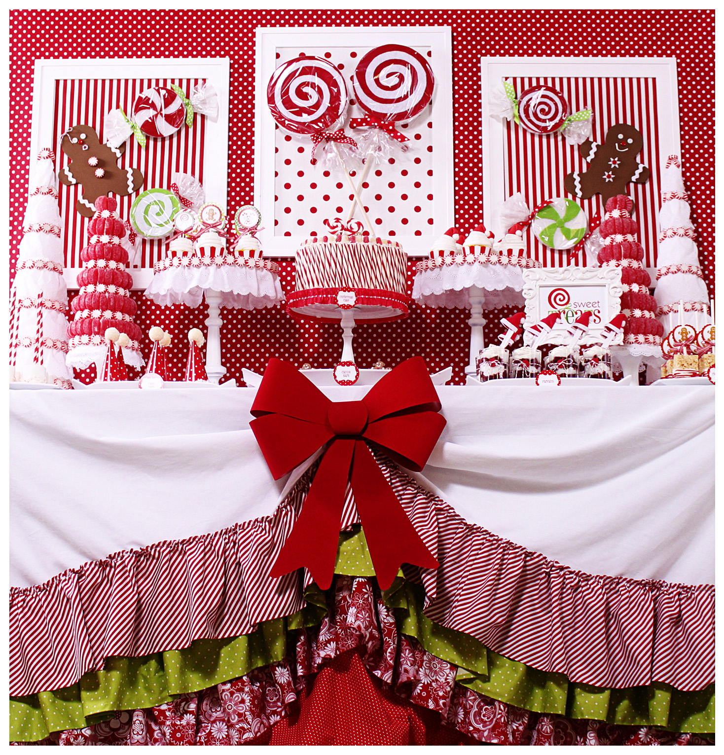 Table decoration for party - Candy Christmas Dessert Table