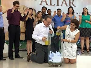 OS ALVOS PARA 2015 FORAM CONSAGRADOS AO SENHOR EM 31/12/14.