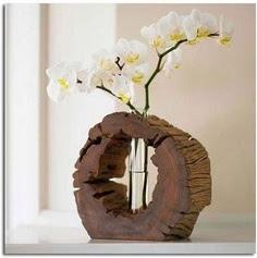 Florero con tronco