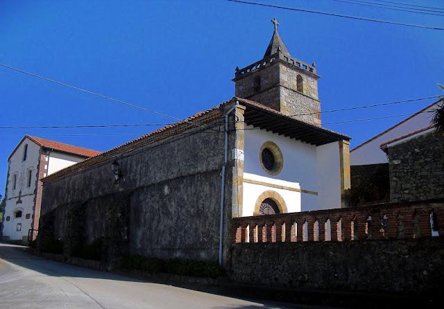 Iglesia y antiguas escuelas de Trasvia