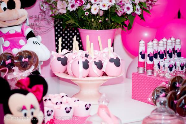 mesa de dulces de Minnie Mouse