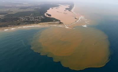 buongiornolink - Disastro ambientale in Brasile il fango tossico raggiunge l'Oceano Atlantico