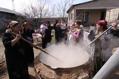 navruz nowruz uzbekistan making sumalak