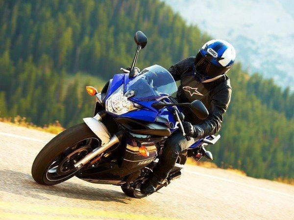 moto i 2013 Yamaha FZ6R