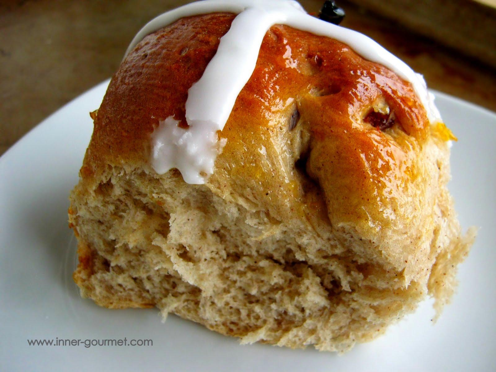 The Inner Gourmet: Cherry-Apricot Hot Cross Buns