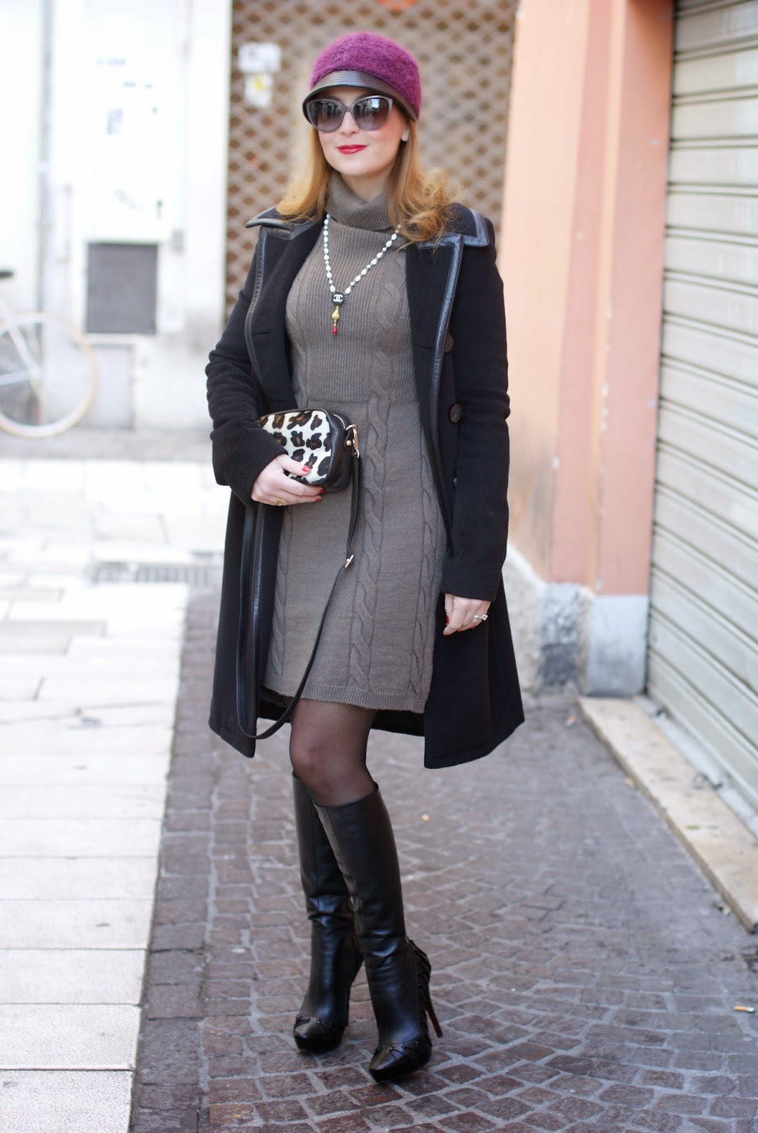 Balenciaga black coat, Fetish boots, Sofia borse Candy pochette, Fashion and Cookies, fashion blogger