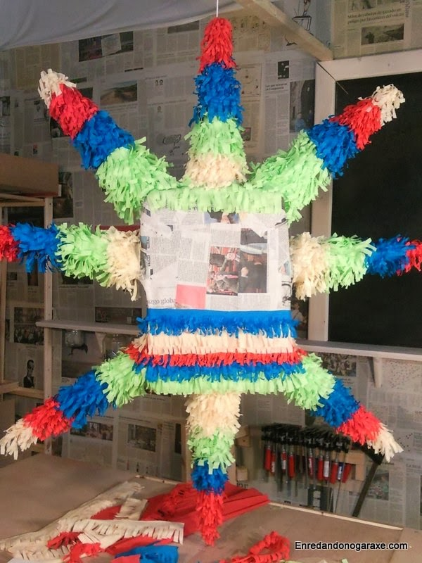 Piñata a medio decorar, enredandonogaraxe.com