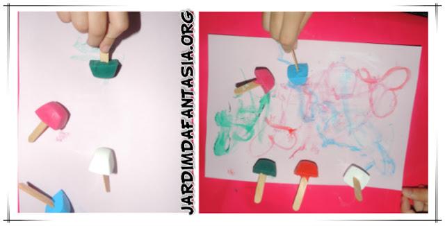 Artes Técnica Pintura Divertida com cubos de tinta gelada