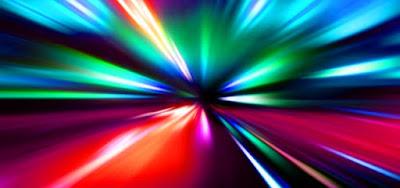 Hipernovas: Por Que Não Podemos Ultrapassar a Velocidade da Luz? [Artigo]
