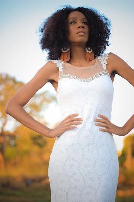 vestido branco longo com bordados