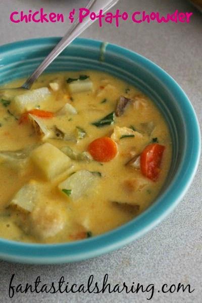 Chicken & Potato Chowder   It's not just cheesy potato soup - there's chicken  in there too! #soup #chicken #potato #maindish