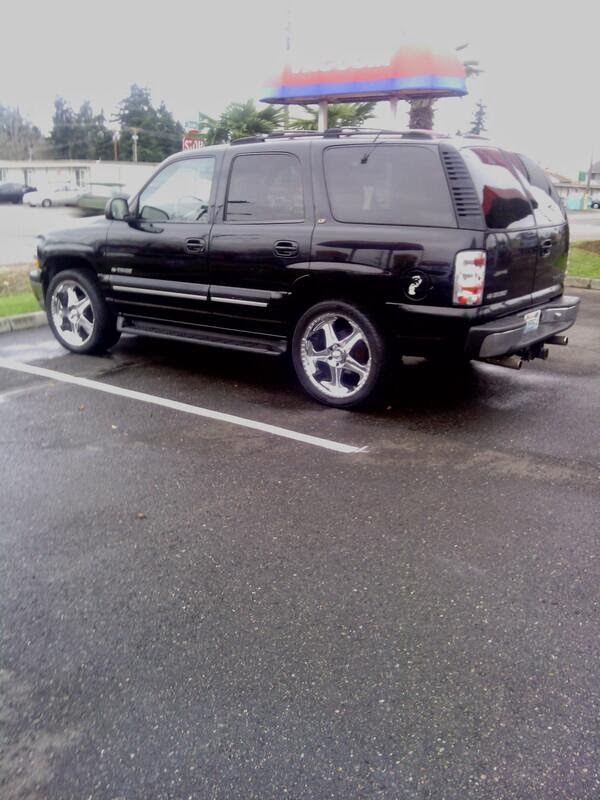 MY CHEVY TAHOE ON 22s