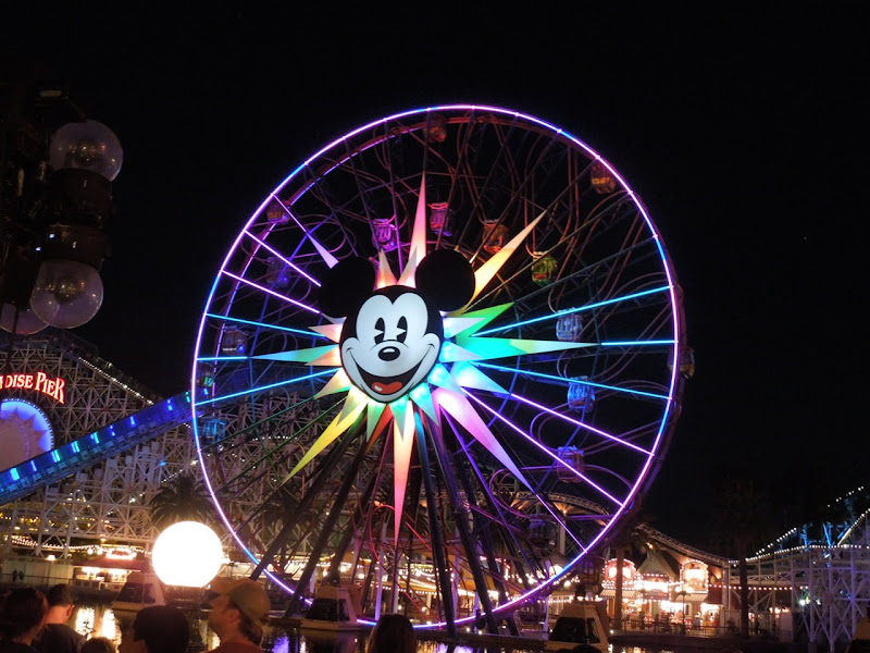 Mickeys Fun Wheel Disneyland
