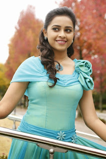 Sri Diyva from movie pencil Lovely Cute Actress Sri Divya must see pics