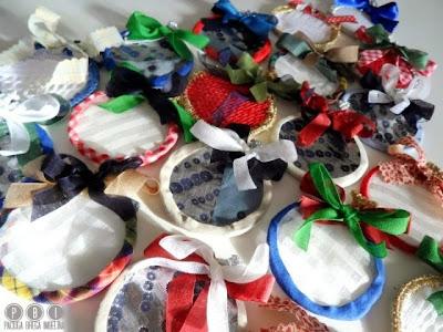 Eco palline di natale con materiale riciclato paciuga brega e imbelina - Decorazioni di natale con materiale riciclato ...