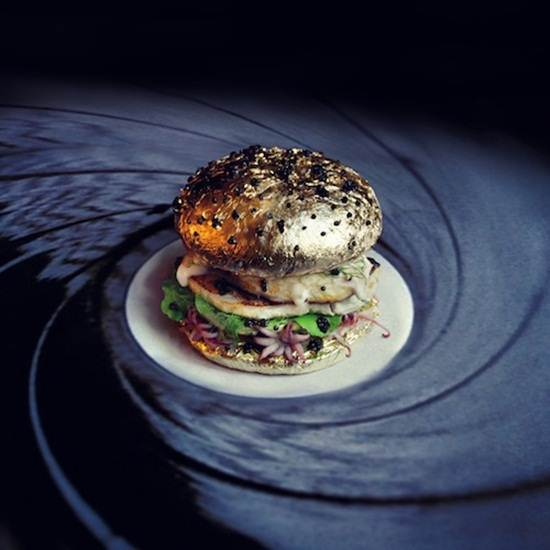 james-bond-burger