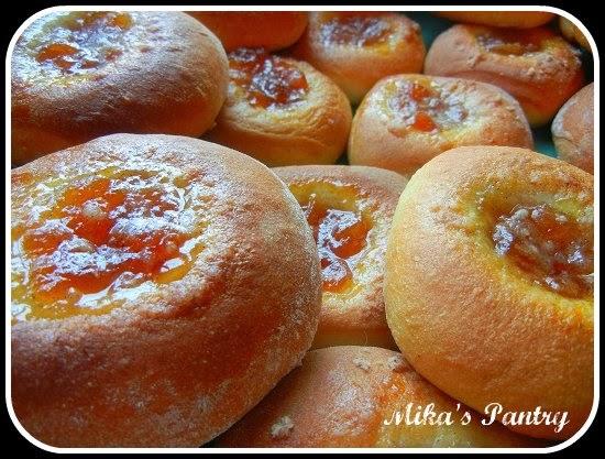 Mika's Pantry: Kolaches with Homemade Peach Vanilla Bean Jam