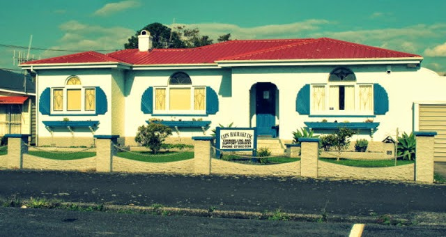 http://dashfieldvintage.blogspot.co.nz/2012/04/little-vintage-road-trip.html