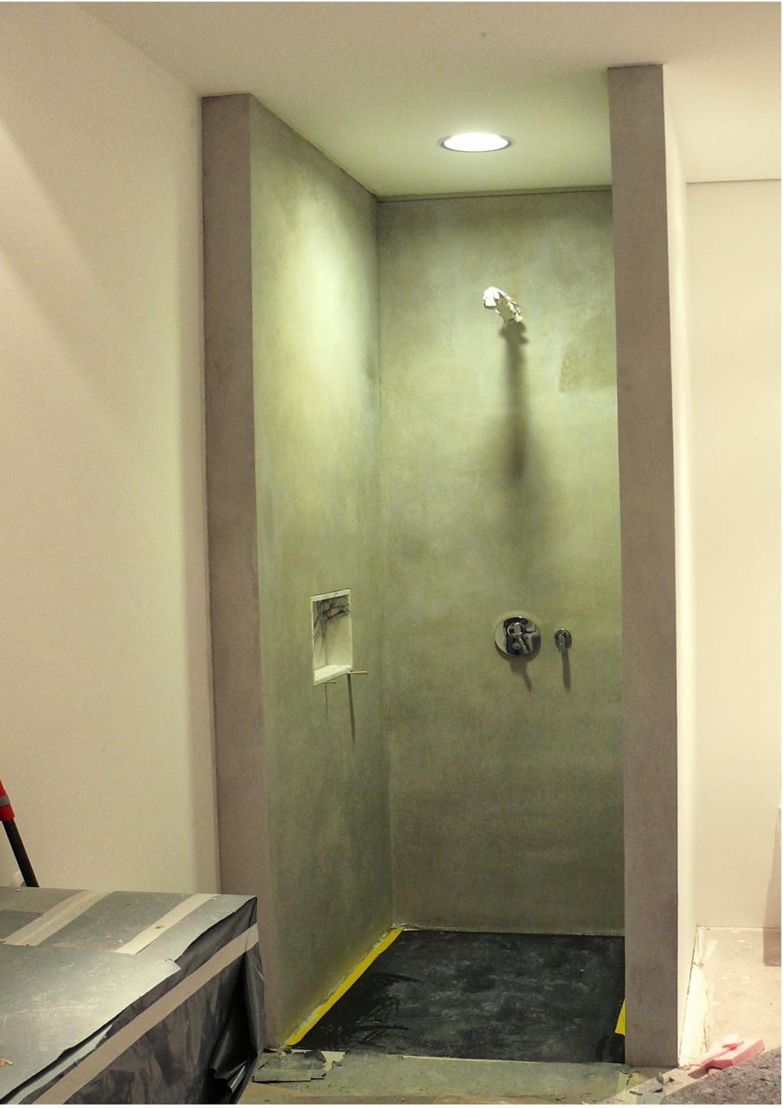 betoncire natur leosteen moderne graue dusche in berlin. Black Bedroom Furniture Sets. Home Design Ideas