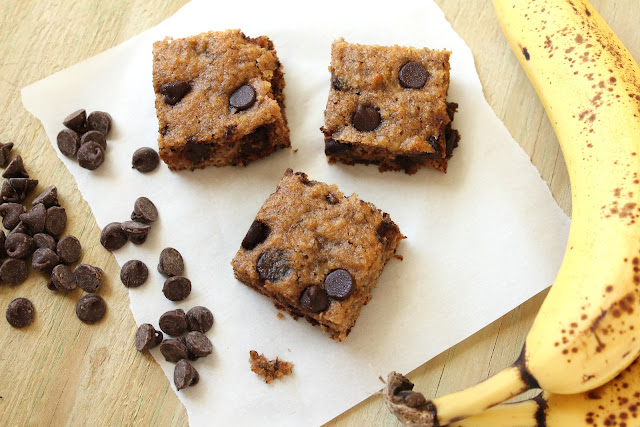 chocolate chip banana bars made with almond flour