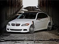 Kelebihan dan Kekurangan BMW 320i E90