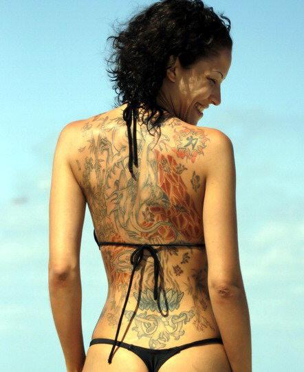 tatuadas desnudas, tatuadas cachondas
