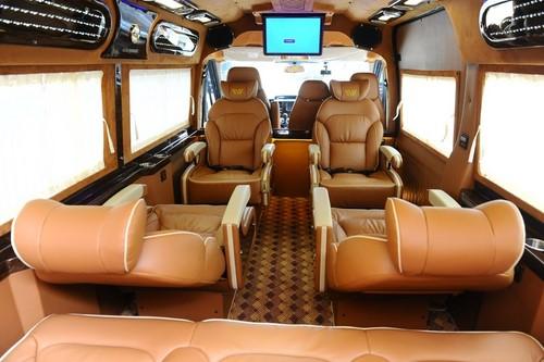 Sao Viet Limousine inside