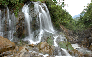 Charming Love Waterfall in Sa Pa 1