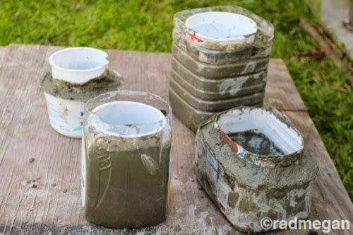 Pot Unik Dari Cetakan Botol Bekas