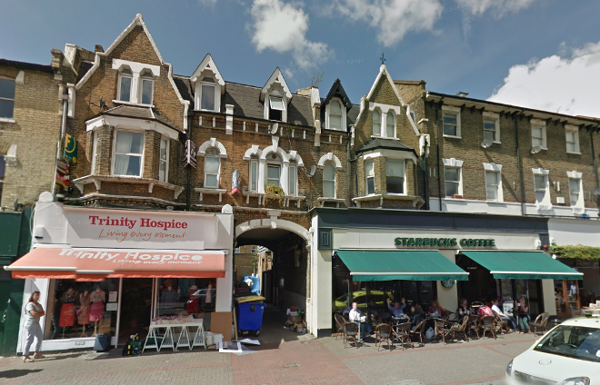 Alleyway in London sells for £260,000