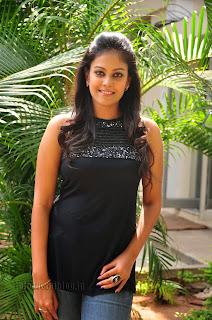 Chandini at kaalicharan premier show 004.jpg