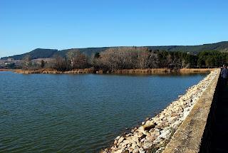 Zona de la presa del pantano de La Grajera