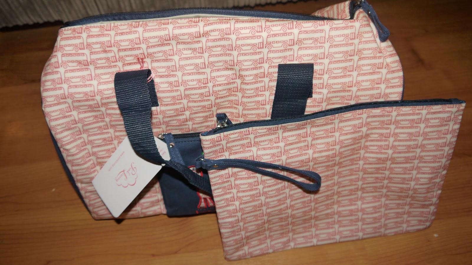 http://2.bp.blogspot.com/-YFqU9ZhuHdE/TqcoNGYQfnI/AAAAAAAACig/aGzjM5iz2OM/s1600/pink-ling-overnight-bag.JPG