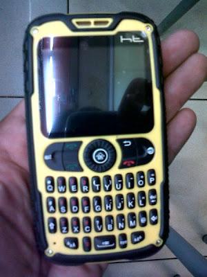 Spesifiaksi HT Mobile X10 Extreme