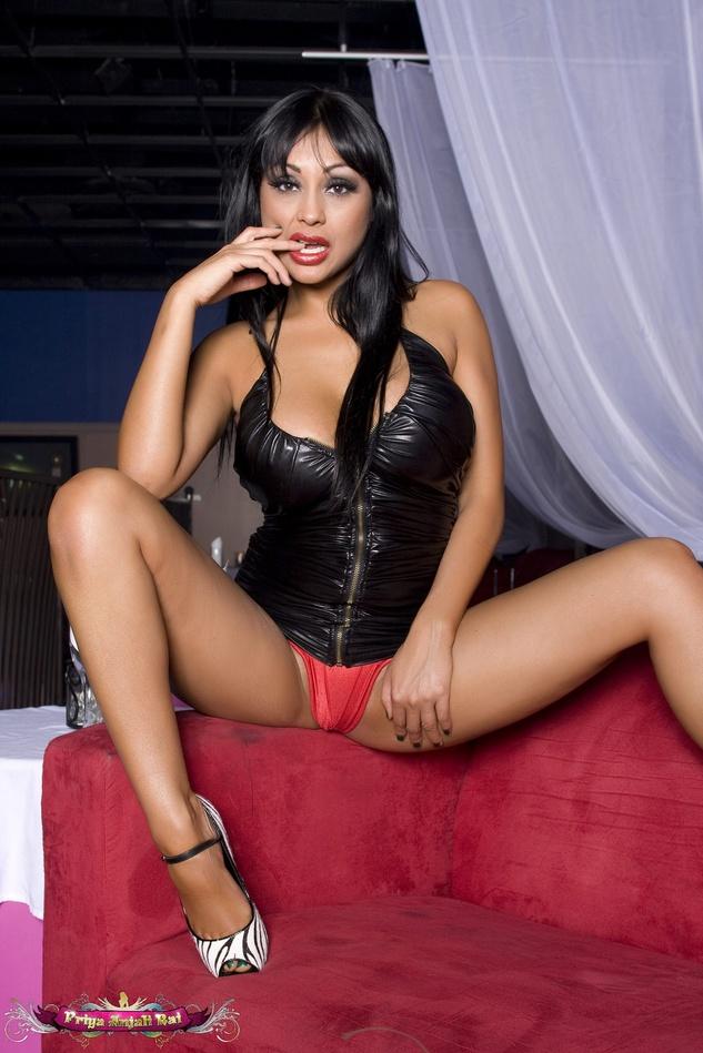 anne hathaway having sex