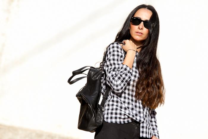 Blogger de moda de Valencia con look comodo