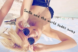 Sonríe y que el mundo se desvanezca.